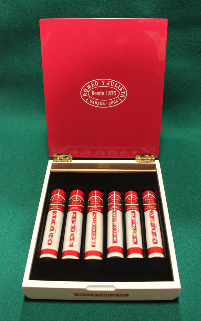 Romeo Julieta - Short-Wide - 73€